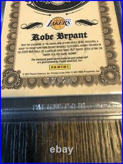 2011 Panini Gold Standard Kobe Bryant On Card Auto, Game Worn Patch Lakers #/24