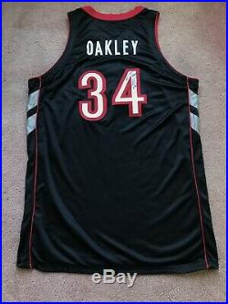 Charles Oakley 1999-00 Game Used Issued Toronto Raptors Jersey Nike ProCut Auto