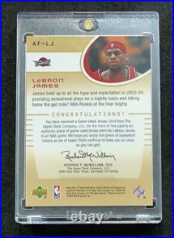 LeBron James 2004-05 SP Authentic Fabrics Game-Worn Jersey Cavaliers (2nd Year)